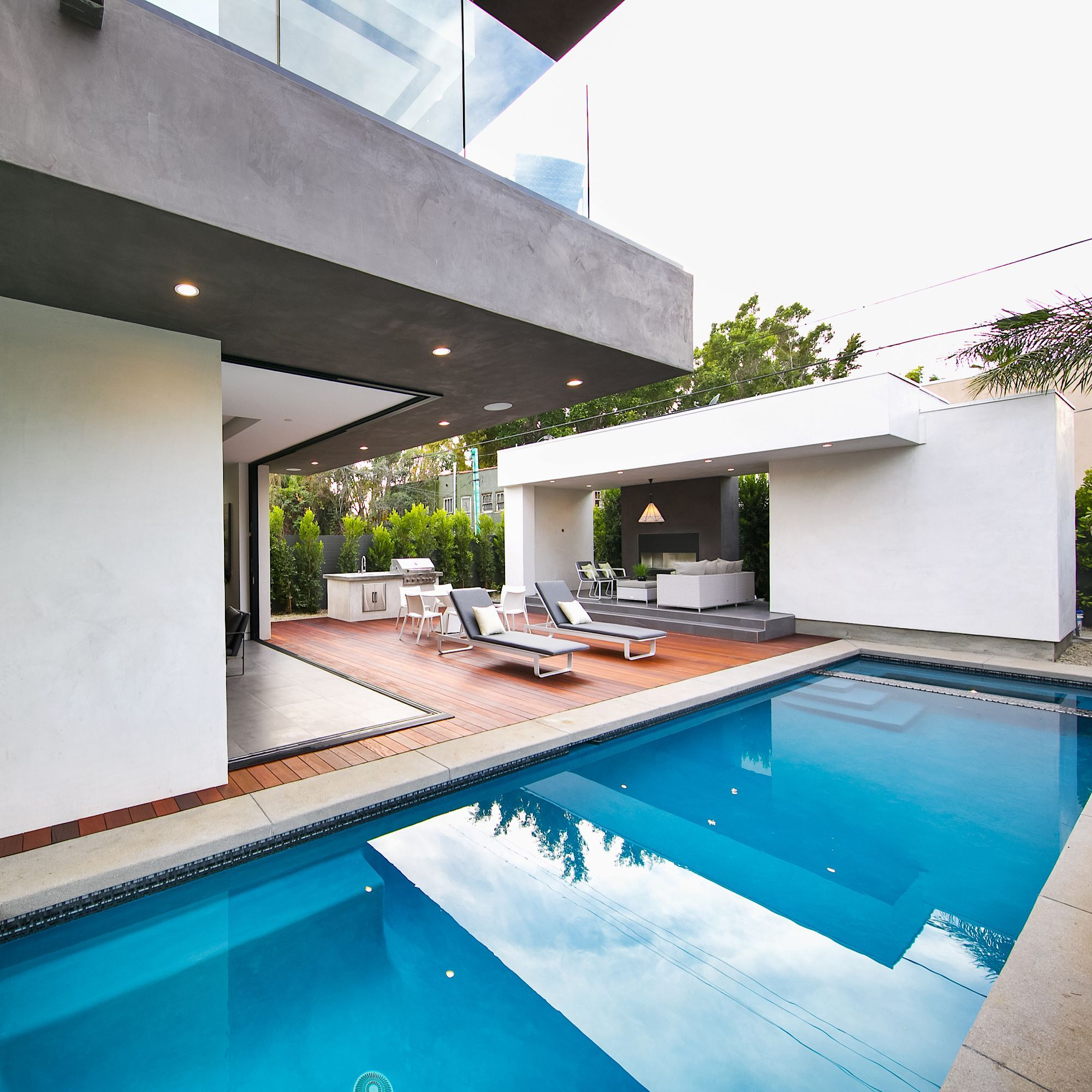Ready for a dip? #labuildcorp #architecture #homedesign #dreamhome #interiordesign #houseoftheday #generalcontractor #homerenovation #homebuilder #instahome #larealestate #archdaily