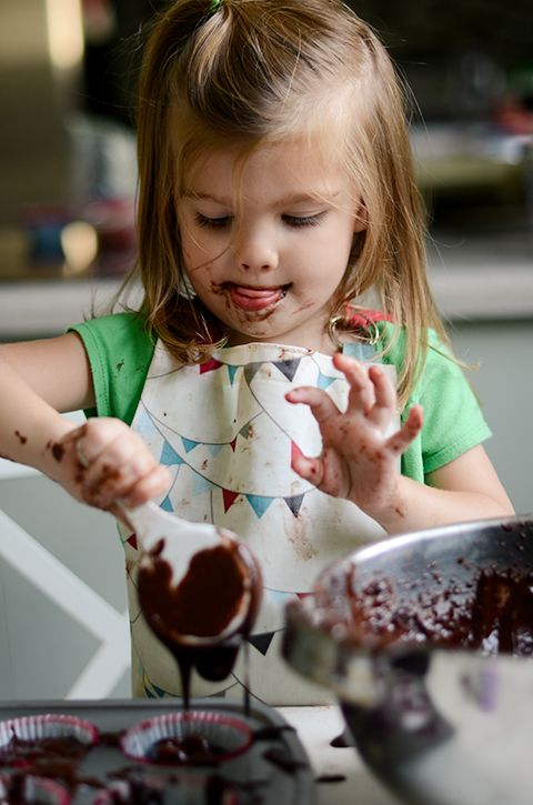 I don't need any help, Mom, I've made chocolate cupcakes before!