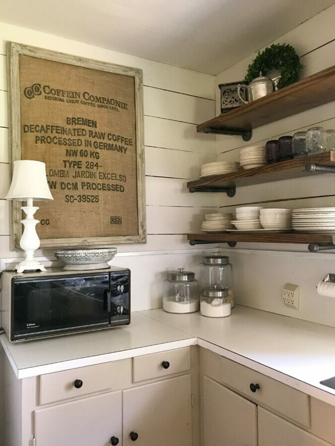 5 Farmhouse and Country Lovin' Decor Staples by CountyRoad407.com #farmhouseDesign #kitchen #FarmhouseDecor #kitchendesign #FarmhouseIdeas #FarmhouseStyle #CountyRoad407