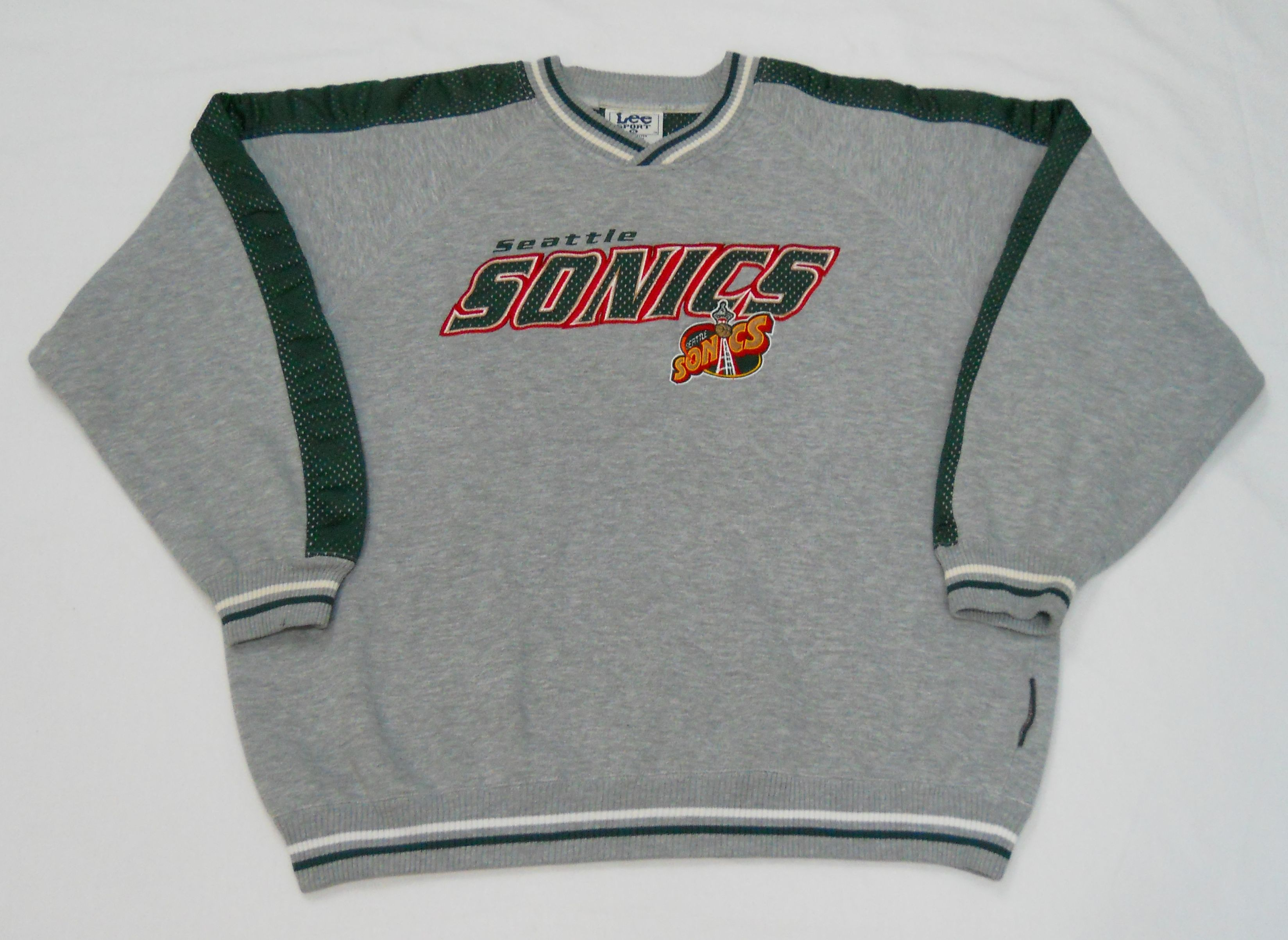 Vintage mid late 90s Seattle Supersonics Sweatshirt by Lee Sport. Men s XL  (pre-owned) 48a37c648
