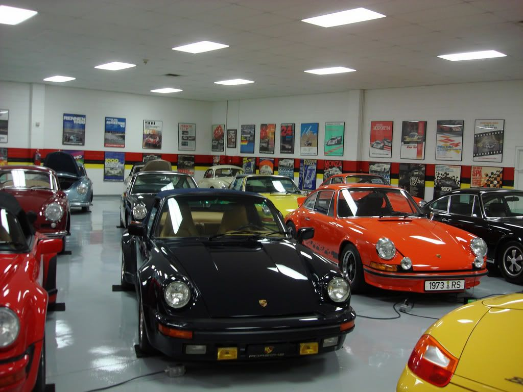 can you say porsche collector garages pinterest traumgarage und garage. Black Bedroom Furniture Sets. Home Design Ideas