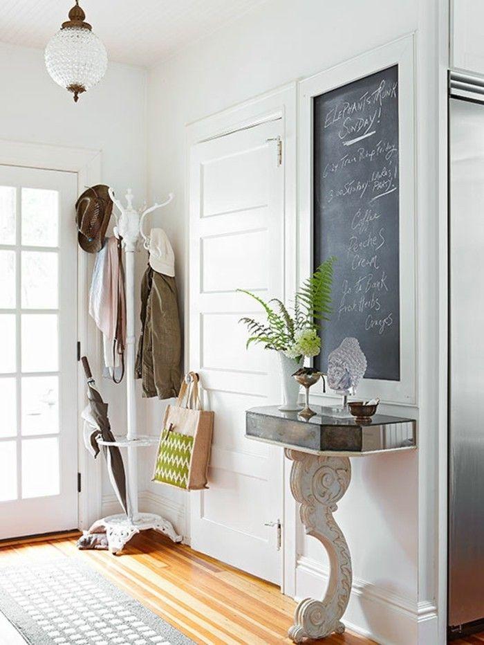 den kleinen flur gestalten 25 stilvolle einrichtungsideen wohnen kleine flure flur. Black Bedroom Furniture Sets. Home Design Ideas