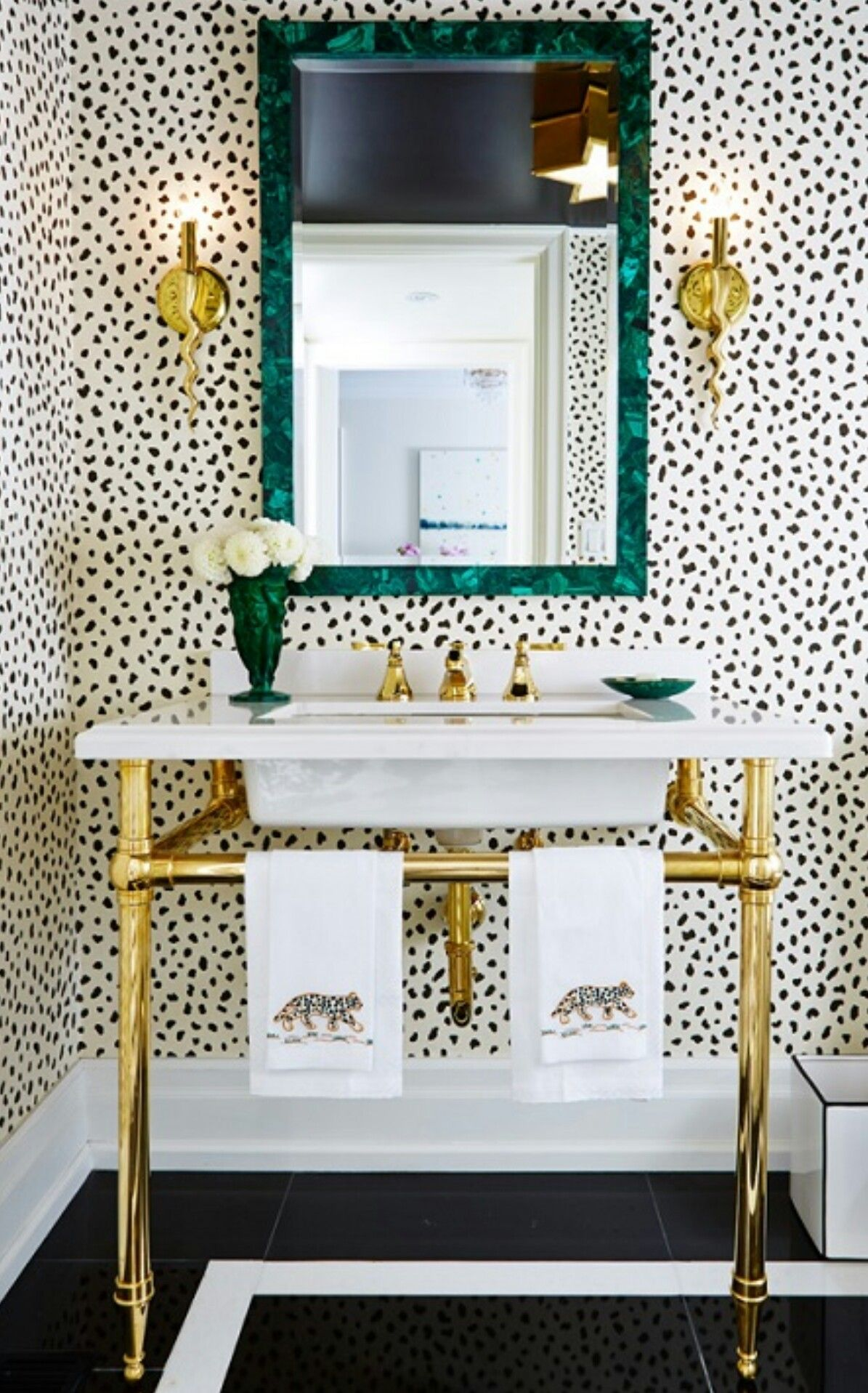 Thibaut Tanzania Wallpaper Beautiful Polka Dot Design That Is So Chic And Will Never Go Out Of Style Small Bathroom Decor Glamorous Bathroom Bathroom Decor