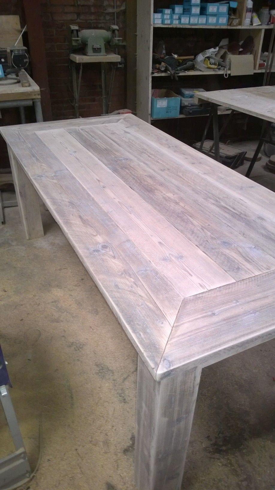 White Wash Eetkamer Tafel.Steigerhouten Eetkamertafel In De Kleur White Wash Eetkamertafel