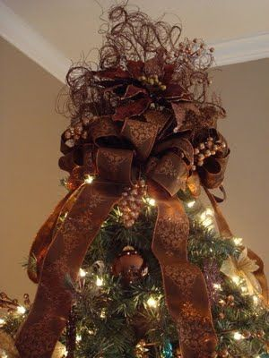 Gorgeous Tree Topper - Instructions from I Need Mom! Blog