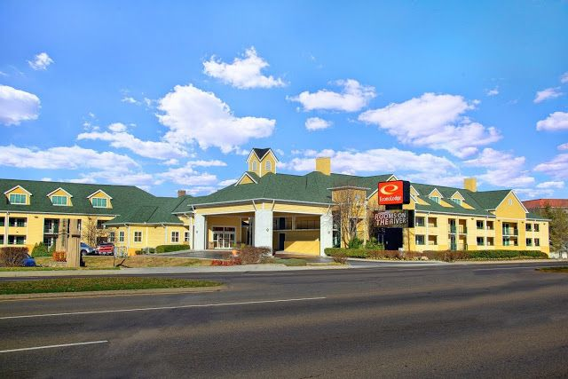 Flip Out Mama: Ready For Vacation Time with Econo Lodge Pigeon Forge!