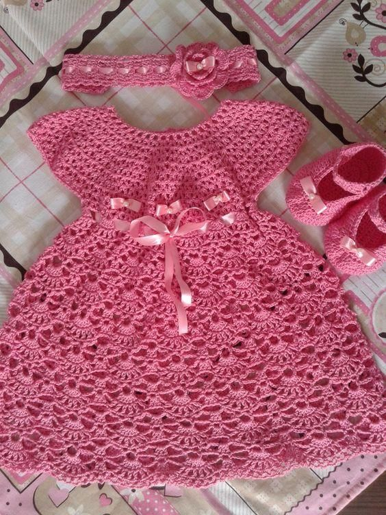 22da95db1 Lindos modelos de vestidos em crochê para bebês 0 a 1 ano   Vestido ...
