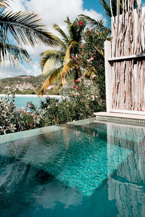 The Perfectly Romantic Honeymoon Resort in Antigua is part of Best honeymoon destinations, Antigua honeymoon, Honeymoon pictures, Honeymoon resorts, Romantic honeymoon, Romantic resorts - Antigua Resort perfect for your Antigua honeymoon  Cocobay Resort, the most romantic all inclusive Antigua resort with infinity pools and sunset views