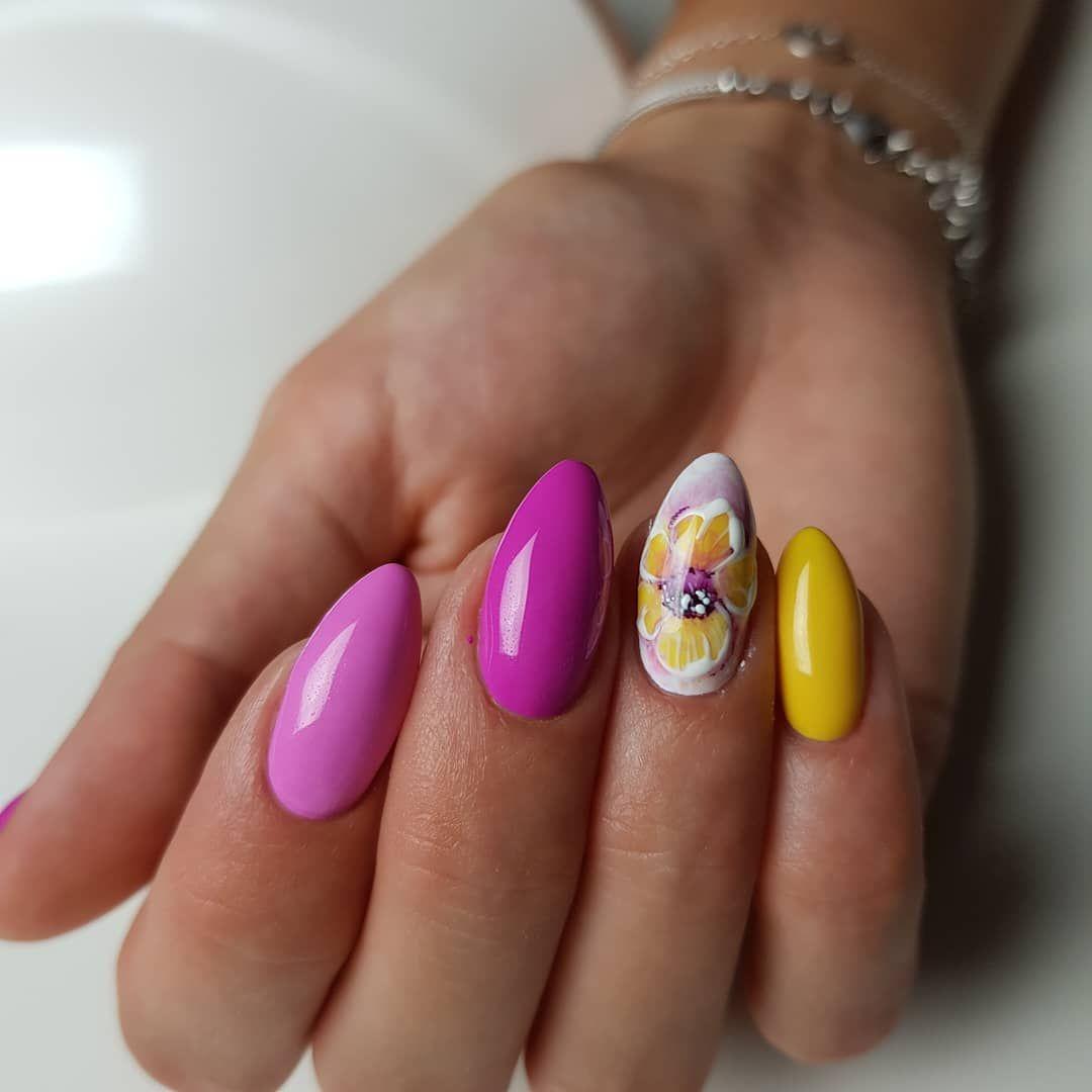 Nail Gallery Hand Painted Nail Art Professional Nail Art Pretty