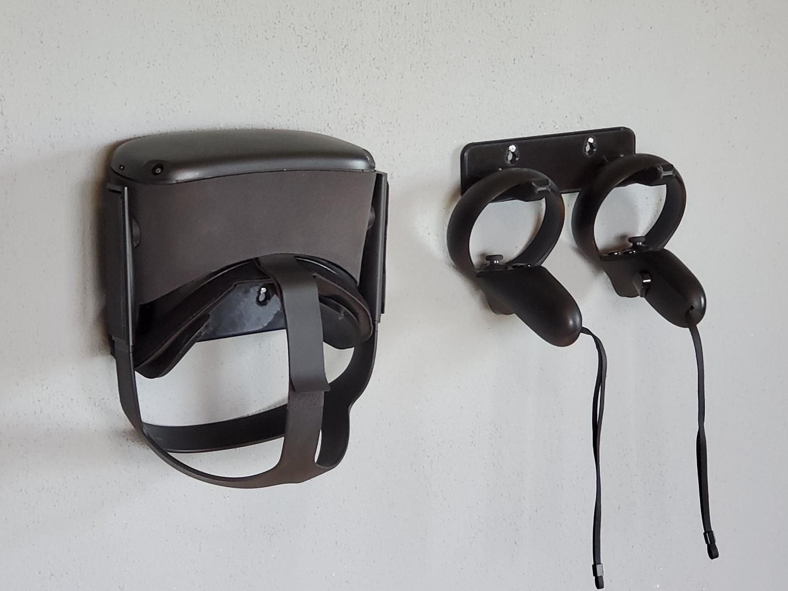 Vr Headset Stand And Controller Wall Mount For Oculus Quest Etsy In 2020 Headset Stand Vr Headset Virtual Reality Headset