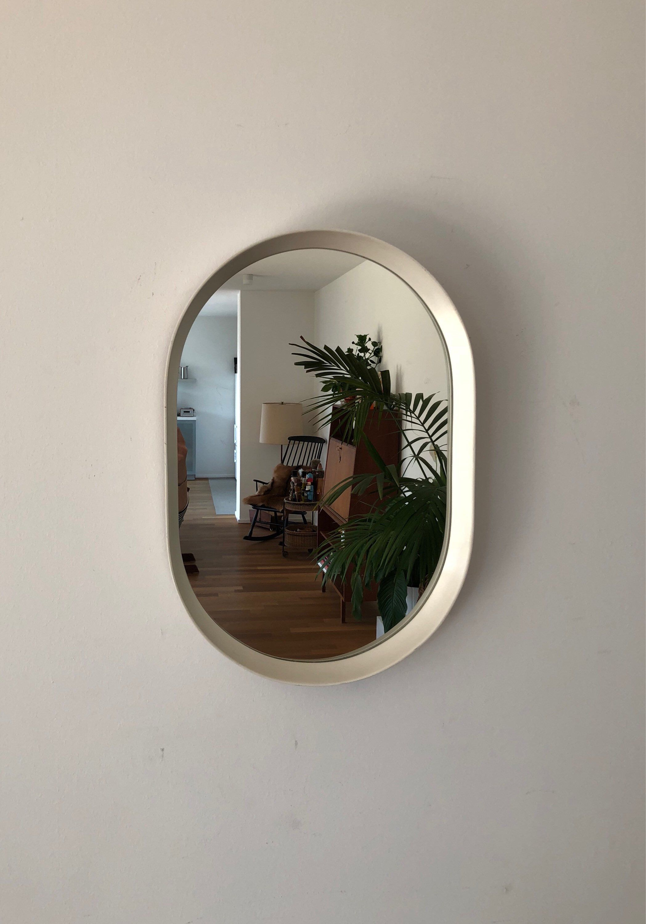 Oval 70s Mirror With A Wooden Border Moebelglueck