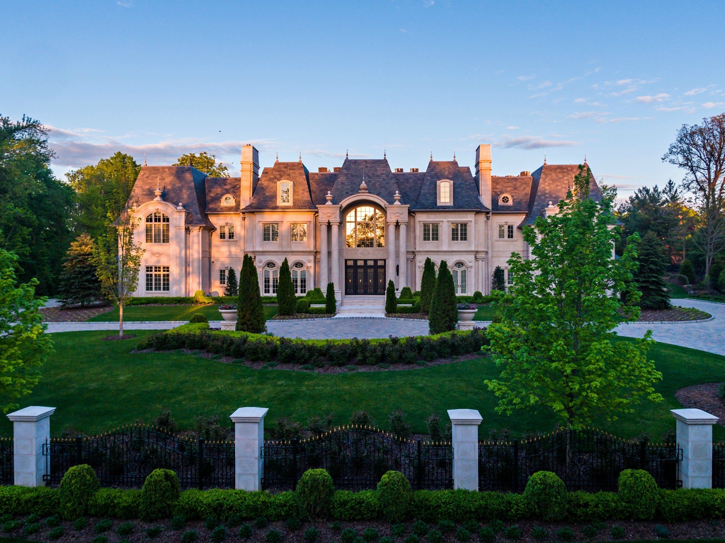 The Most Beautiful Home For Sale In Every State In America Mansions Dream House Exterior Beautiful Homes 20 bedroom mansion for sale