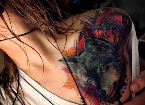 Wild wolf tattoo on shoulder