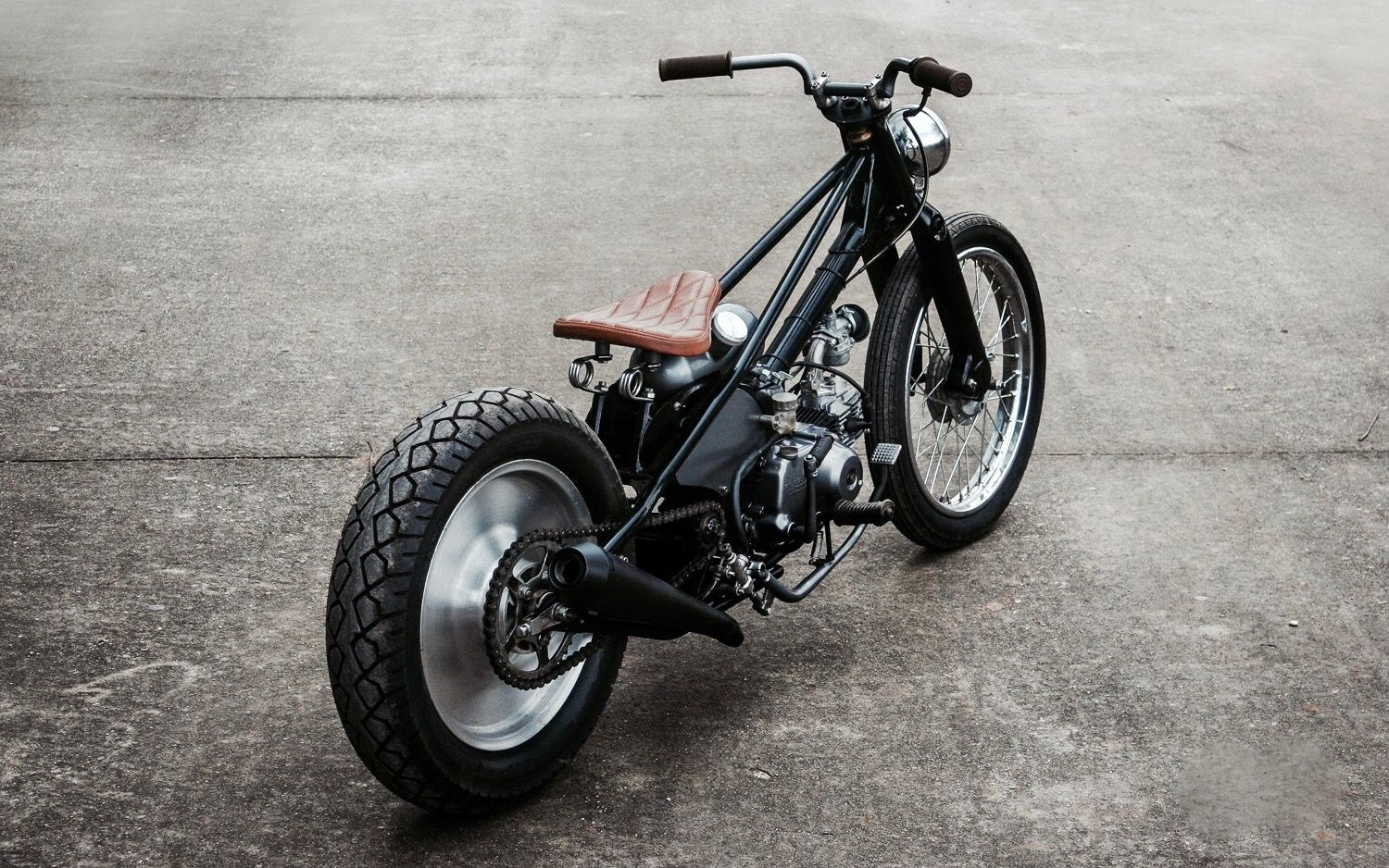Cafe Racers Scramblers Street Trackers Vintage Bikes And Much More The Best Garage For Special Motorcycles And Vintage Cafe Racer Vintage Bikes Cafe Racer