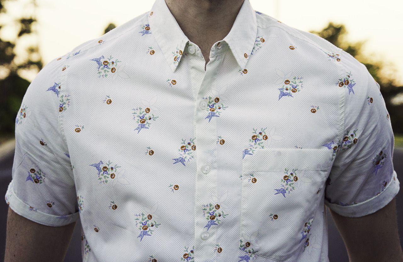 깔끔한 플라워 패턴 셔츠