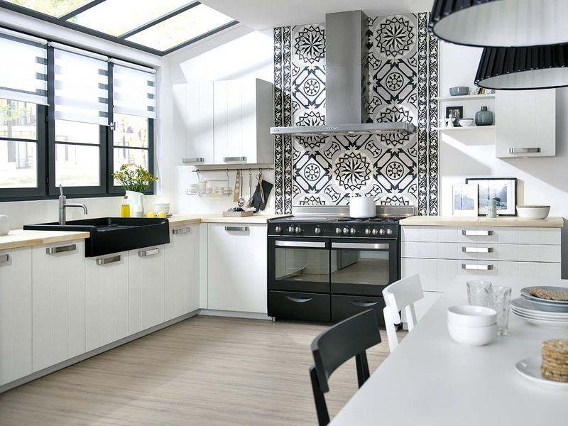 Una cocina en blanco y negro | Cocinas en blanco, Negro y Blanco