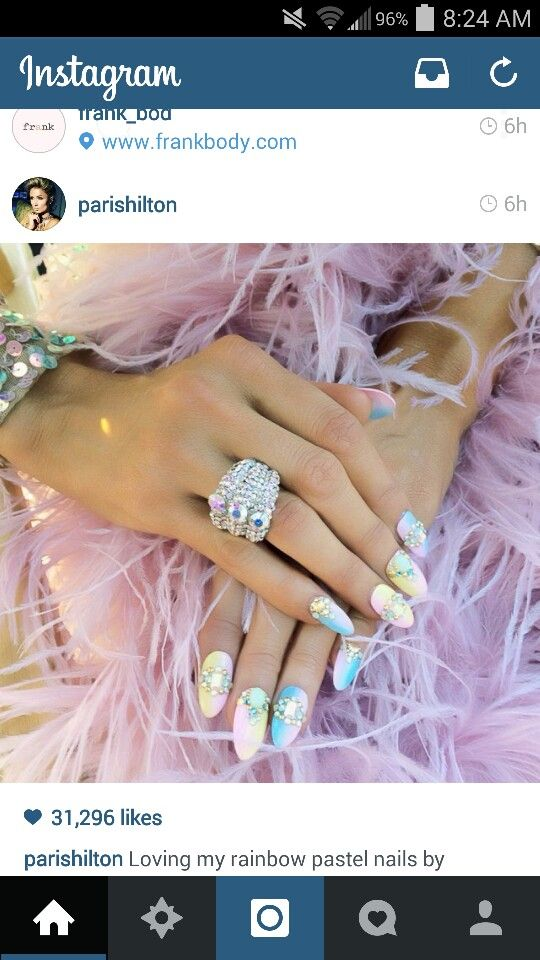 Loveee these nails that paris hilton got!