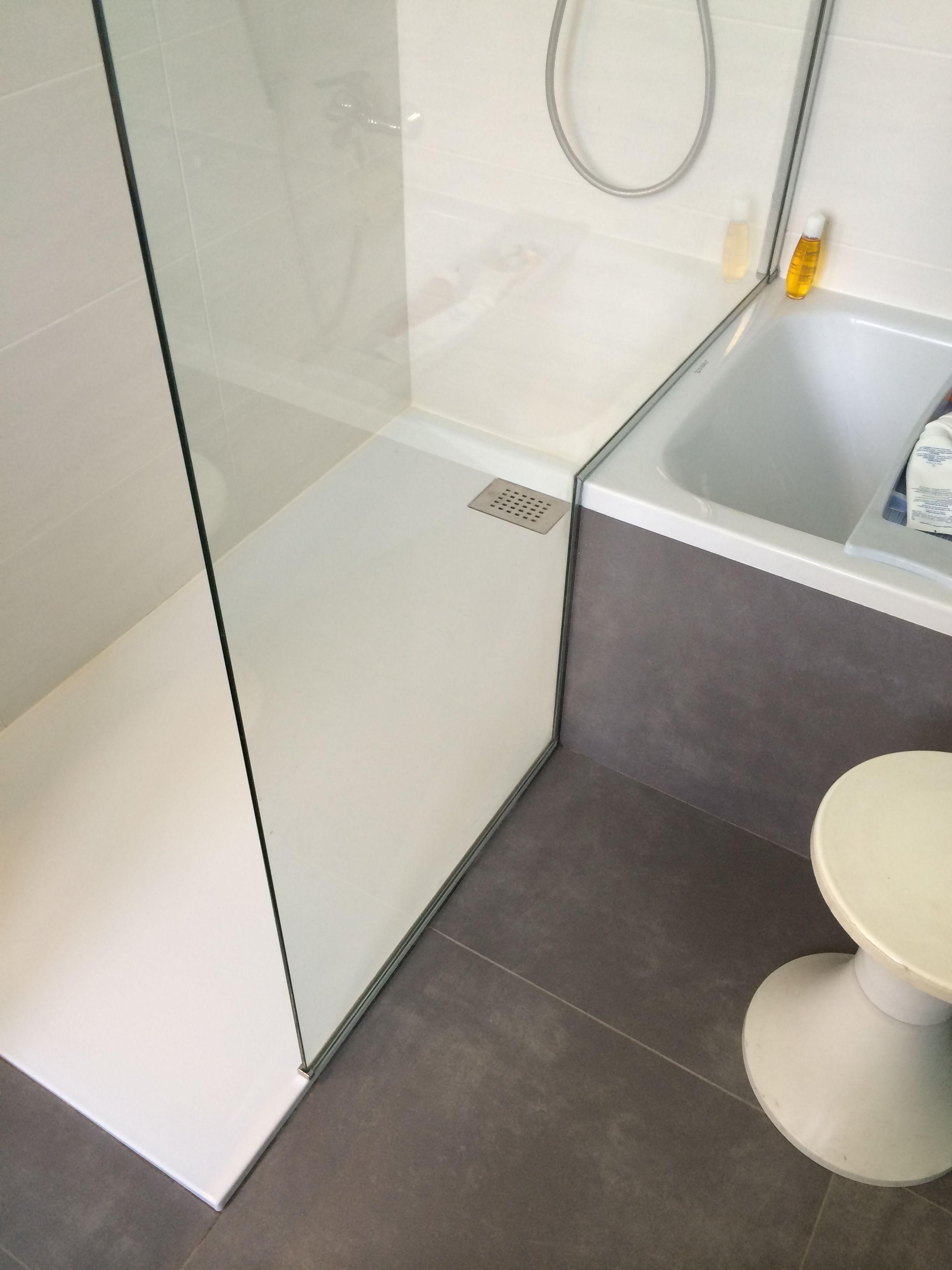 rénovation d'une salle de bain avec une douche attenante à une