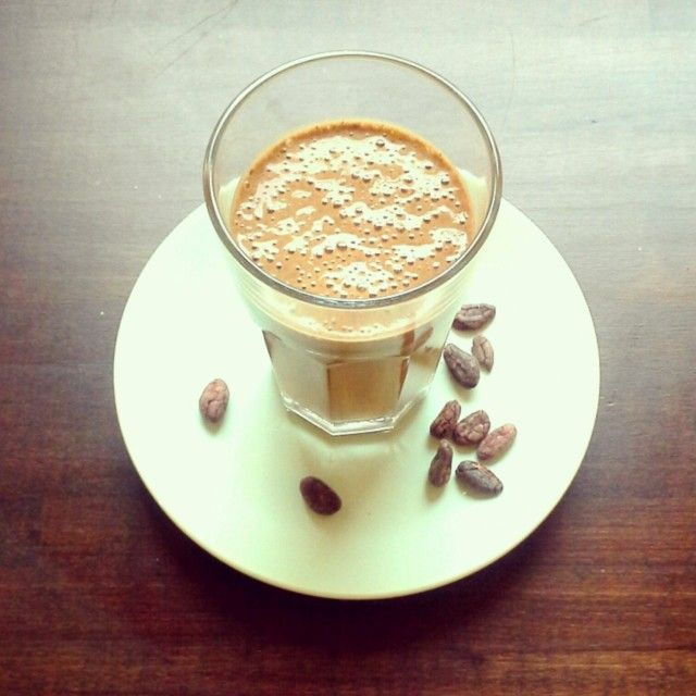 Everyday Shake: banaani-espresso-raakakaakao-smoothie