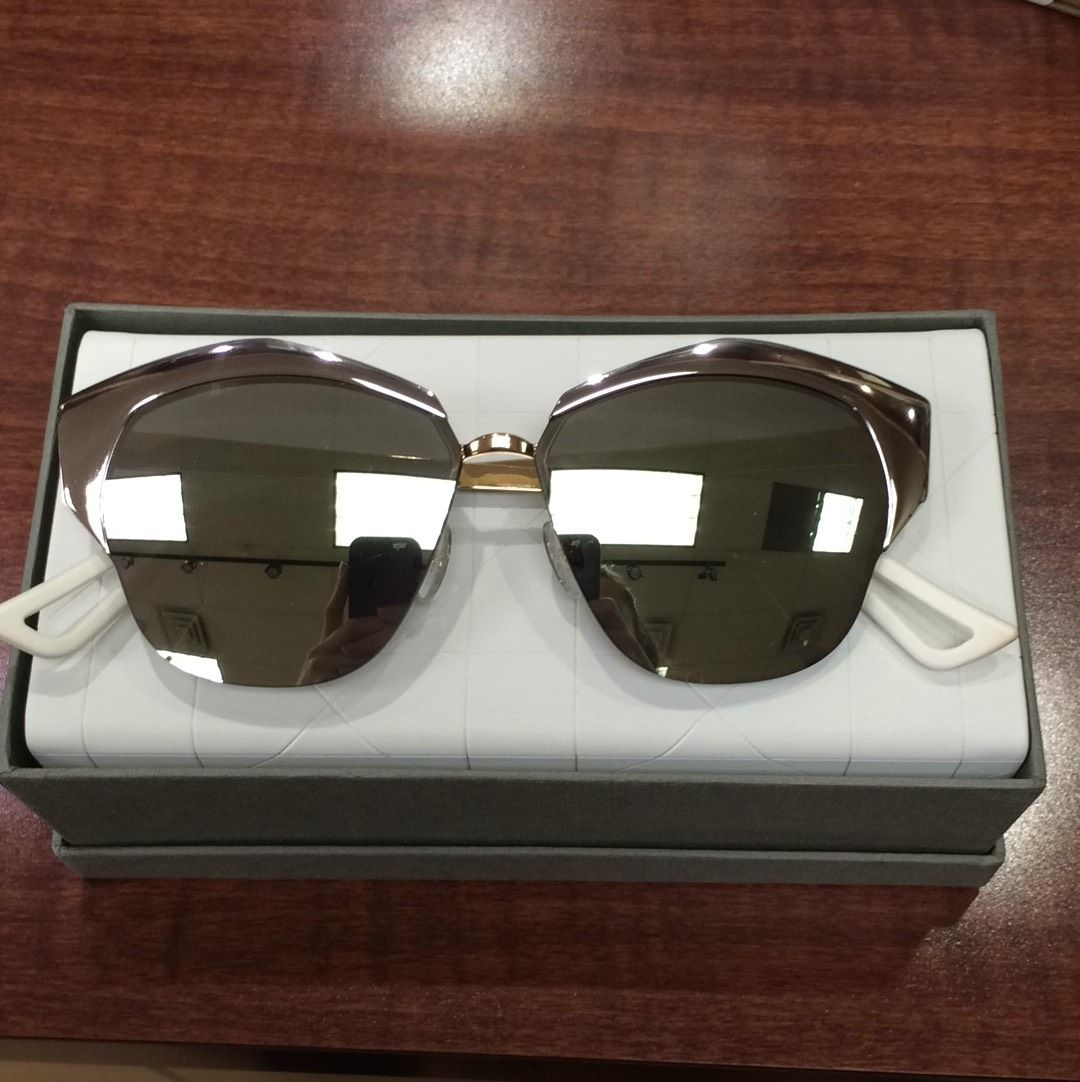 89337e3f66f11 Dior Sunglasses. Free shipping and guaranteed authenticity on Dior  Sunglasses at Tradesy. Brand new - made in italy Christian Dior Mirrored .