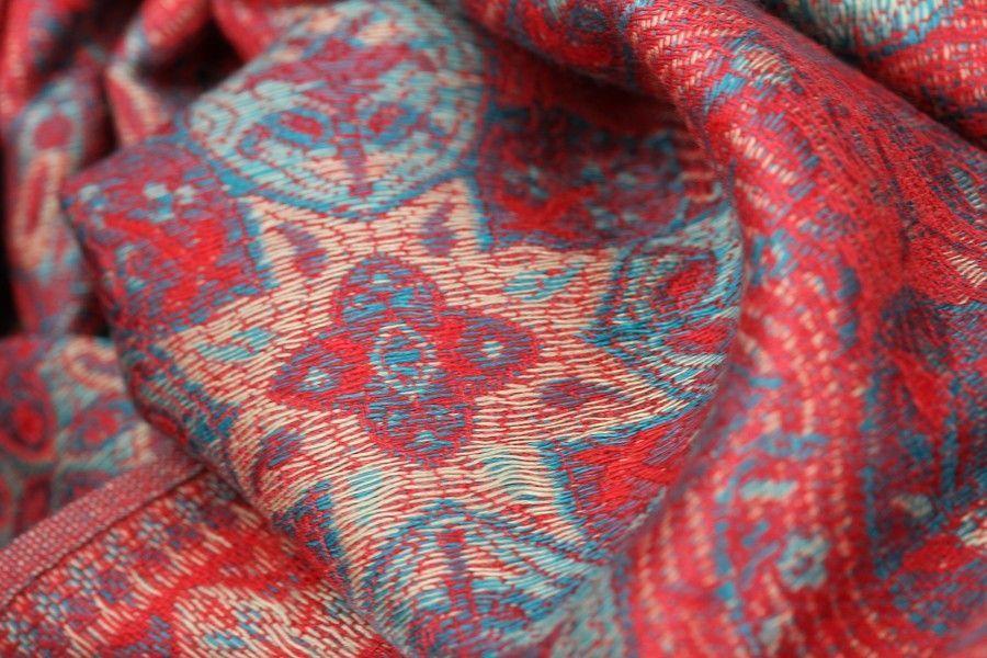 19fdca0677e4 Pashmina Tibet   Pashmina brodé motif cachemire   Pinterest   Tibet