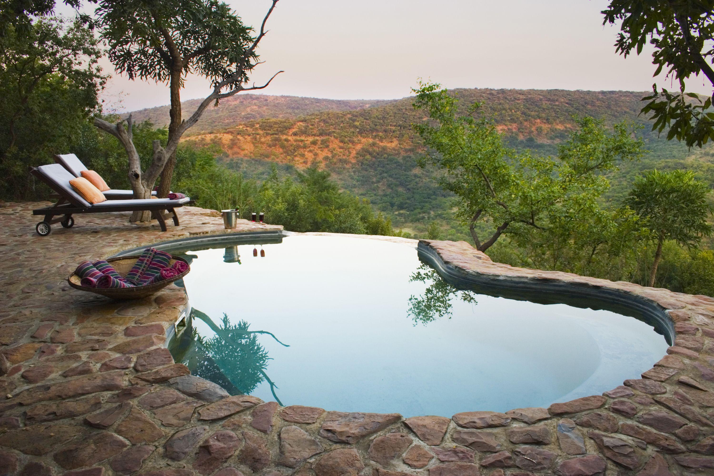 Isibindi Zulu Lodge - Pool mit Ausblick