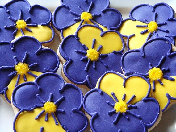 OH does she ever have CUTE cookies!!!    Purple Pansy Cookies 1 dozen by TheFancyLadyGourmet on Etsy, $24.00