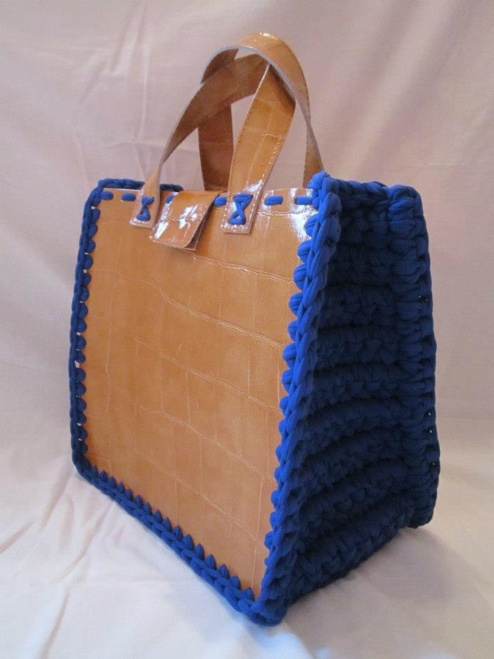 L Emporio delle Borse di Lucia - (via FB)  crochet  bag  c9ae7ee2f1a