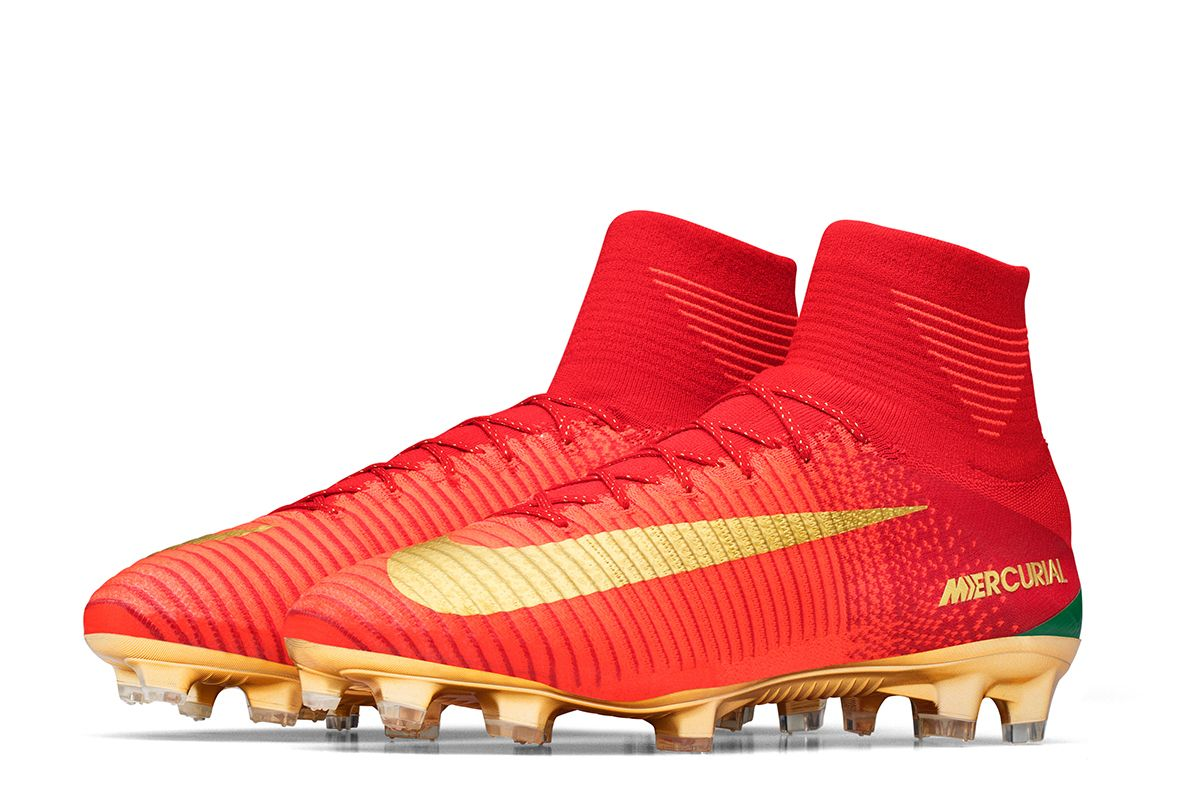 Cristiano Ronaldo Will Wear This Special Edition Nike Cr7 Mercurial Campeoes At Portugal S Euro 2016 Ch In 2020 Mercurial Football Boots Soccer Boots Cristiano Ronaldo