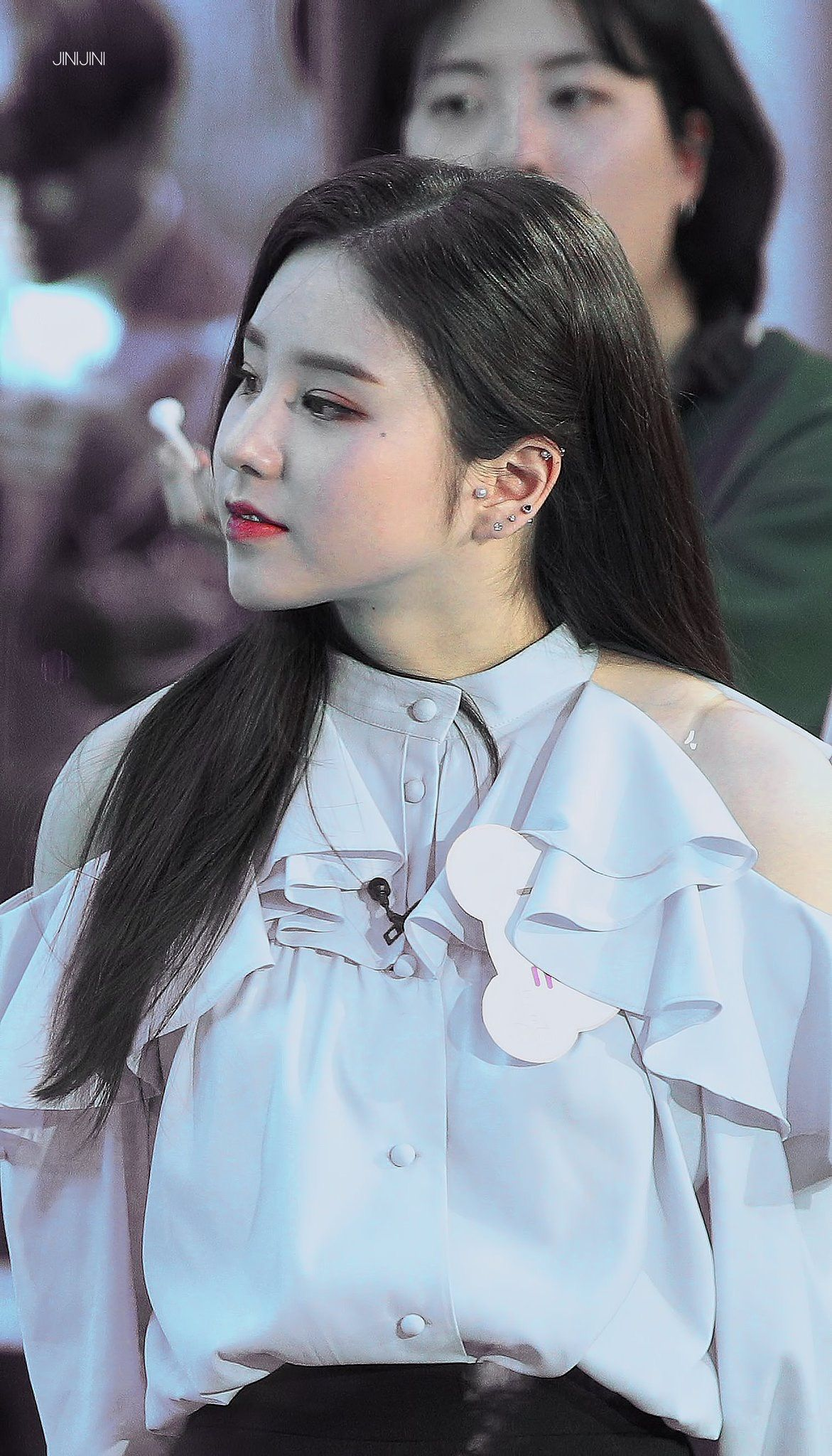 Heejin Loona Piercings Butterfly Ear Piercings Piercings Piercing