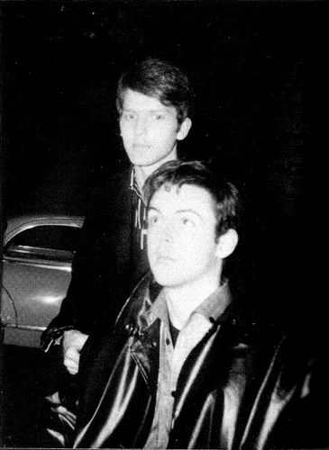 Paul Mccartney And Jurgen Vollmer In Paris October 1961 Paul Mccartney The Beatles John Lennon