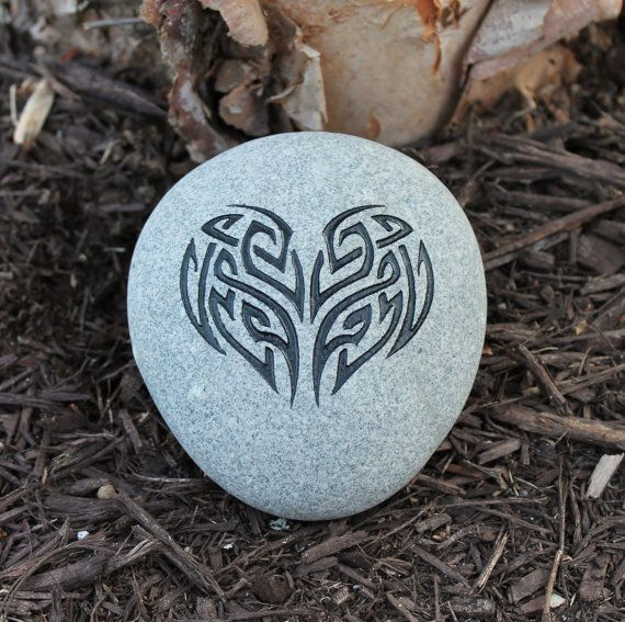 engraved stone heart stone engraving custom by stoneeffectsmd pedras stones. Black Bedroom Furniture Sets. Home Design Ideas