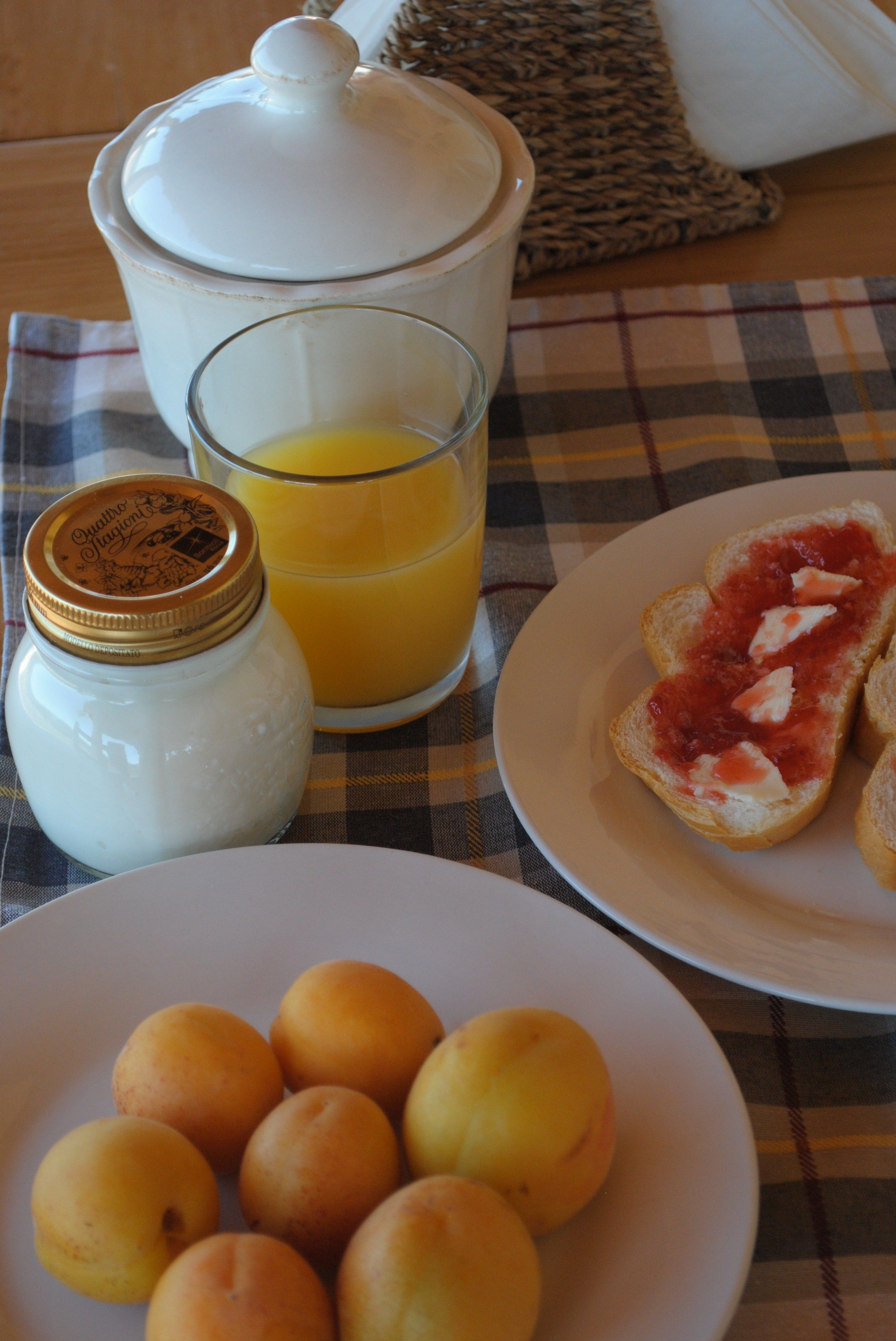A good reason to chose our guesthouse? Our bio-breakfast!