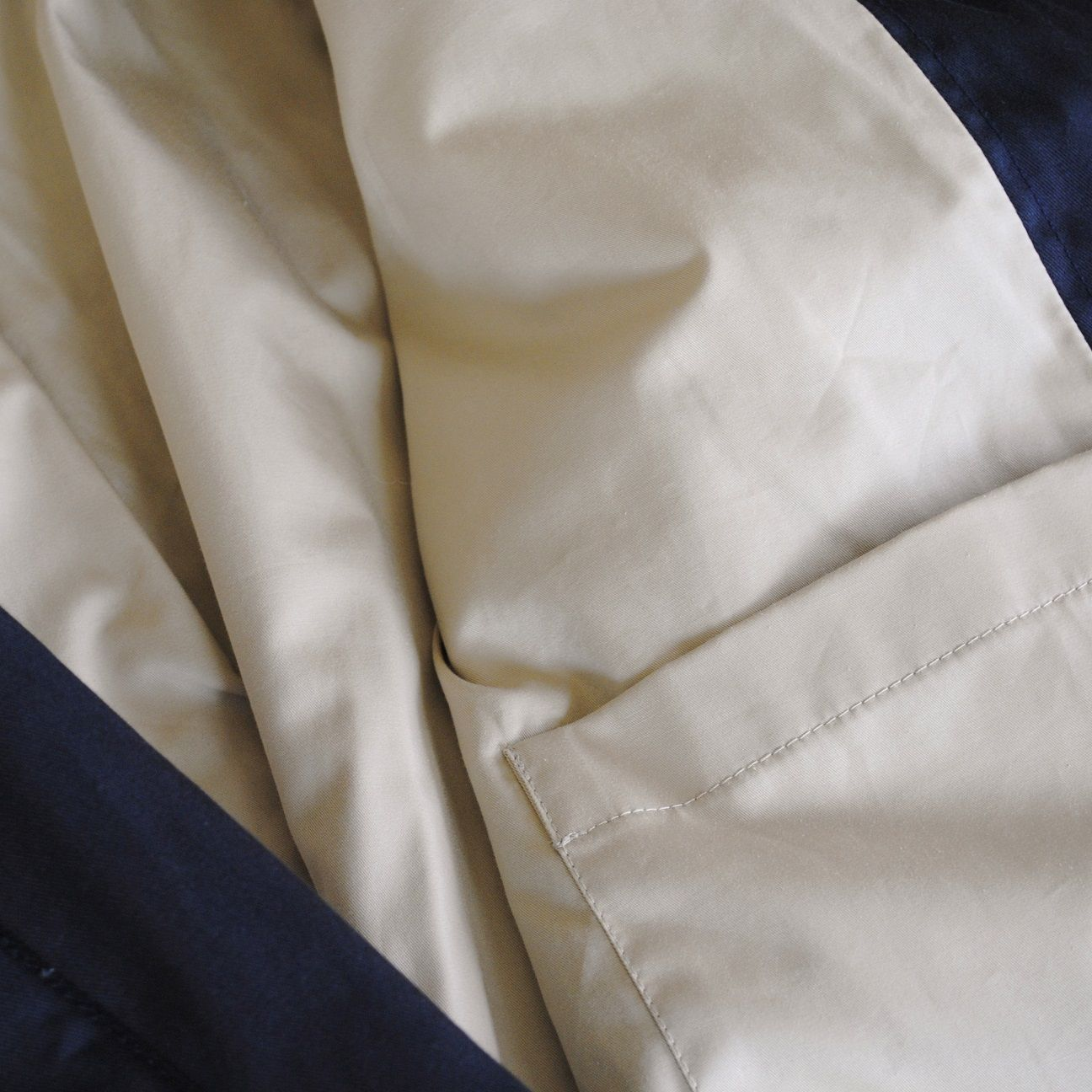 Finely woven, lighter weight #EnglishCottonTwill with a smooth finish, to slide over your clothes easily. #HonourMarkMan