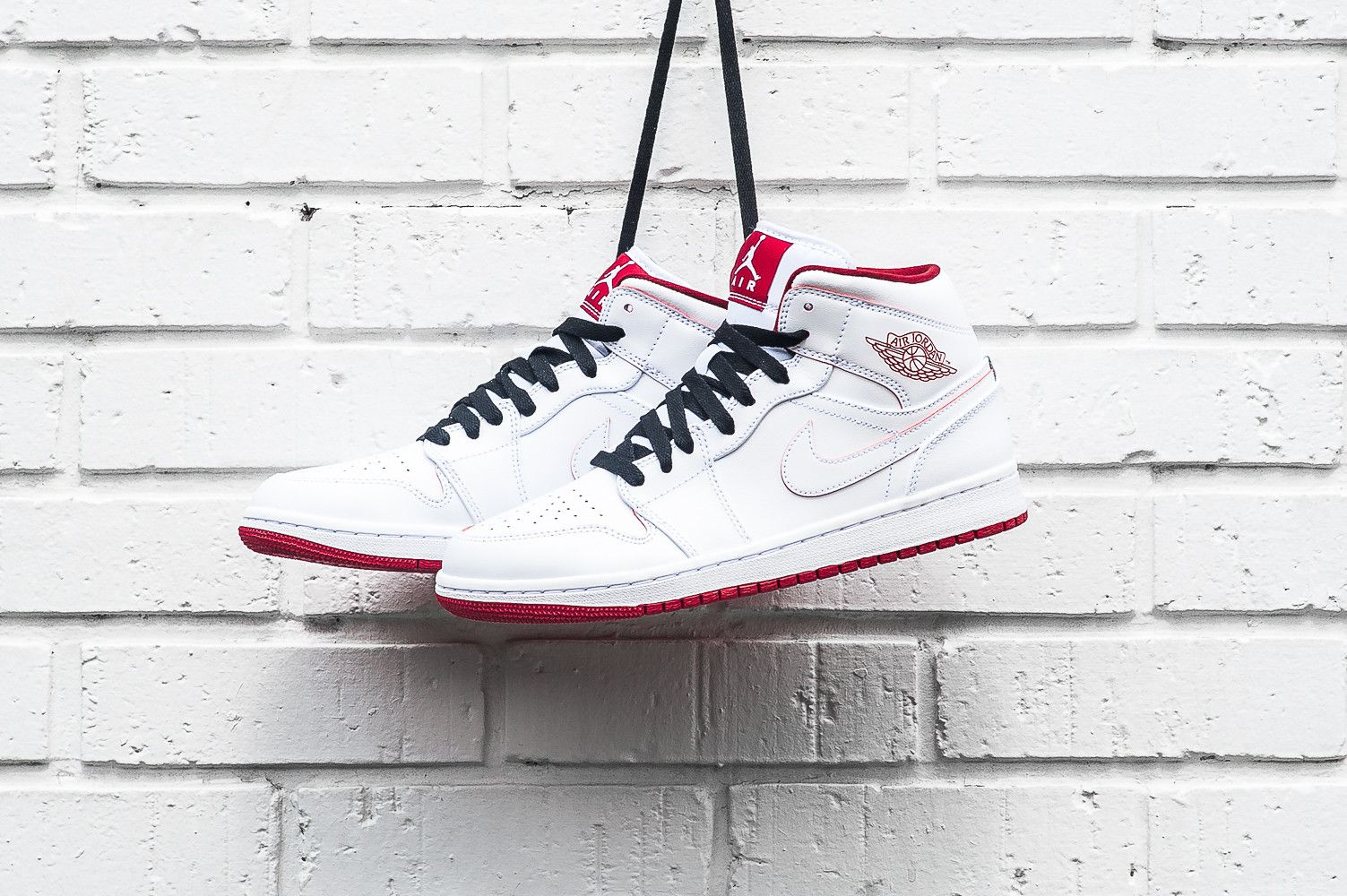 air jordan 1 retro mid - black\/gym red\/white