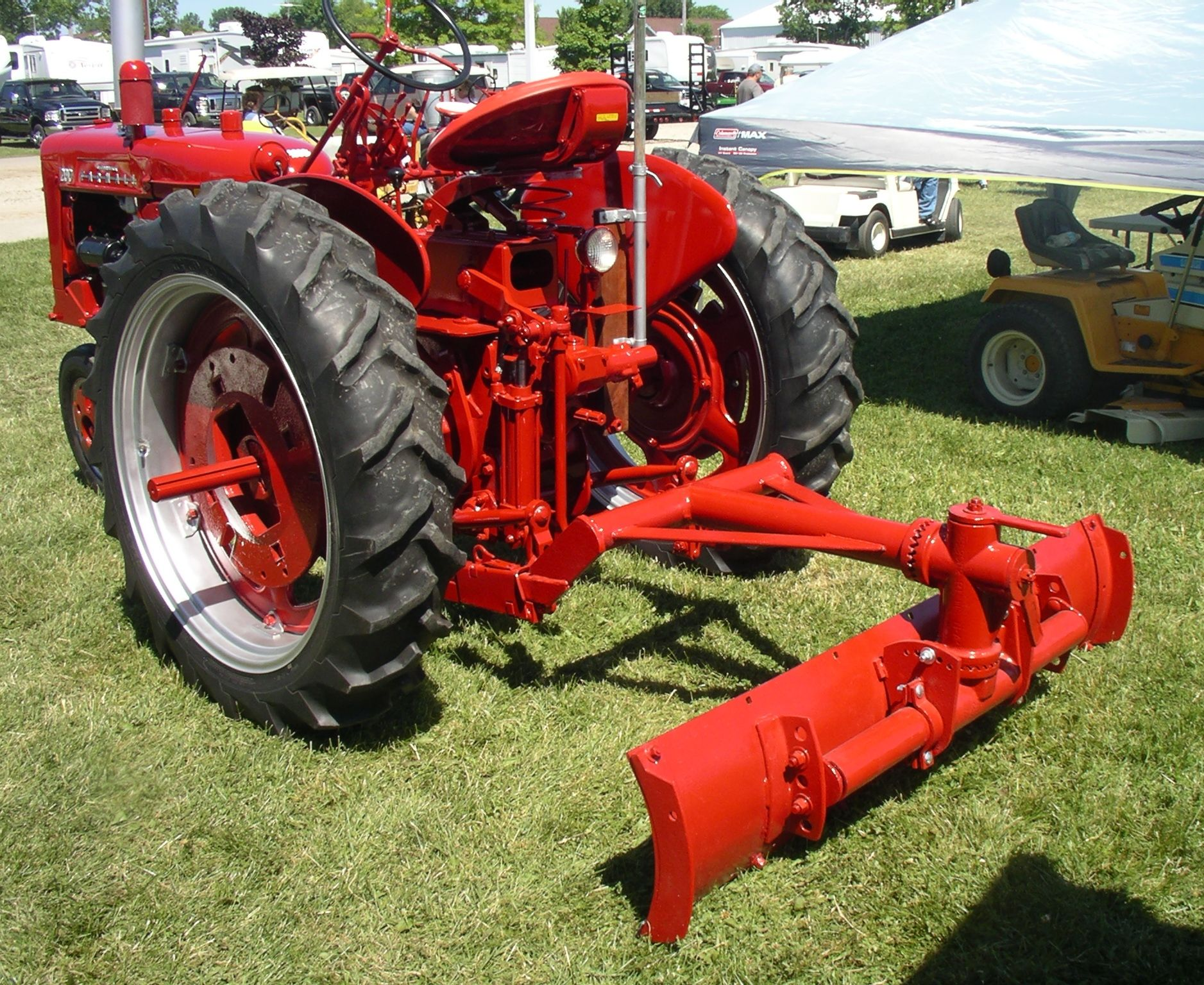 Two Point Tractor : Ih point fast hitch grader blade tractors pinterest