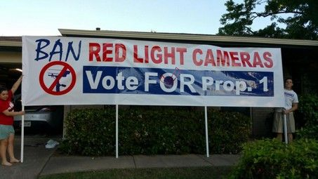 Texas Tea Party takes on red light cameras, and $18-an-hour 'supporters' - http://conservativeread.com/texas-tea-party-takes-on-red-light-cameras-and-18-an-hour-supporters/
