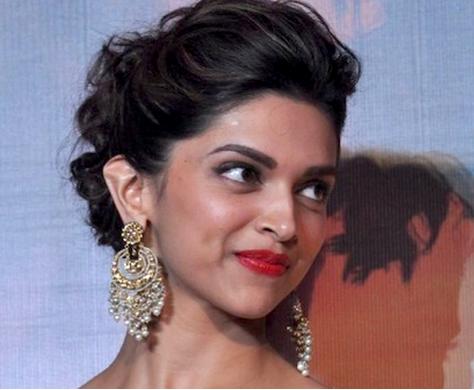Gorgeous Deepika Wearing Pretty Earrings Deepika Padukone Style Style Celebrity Style