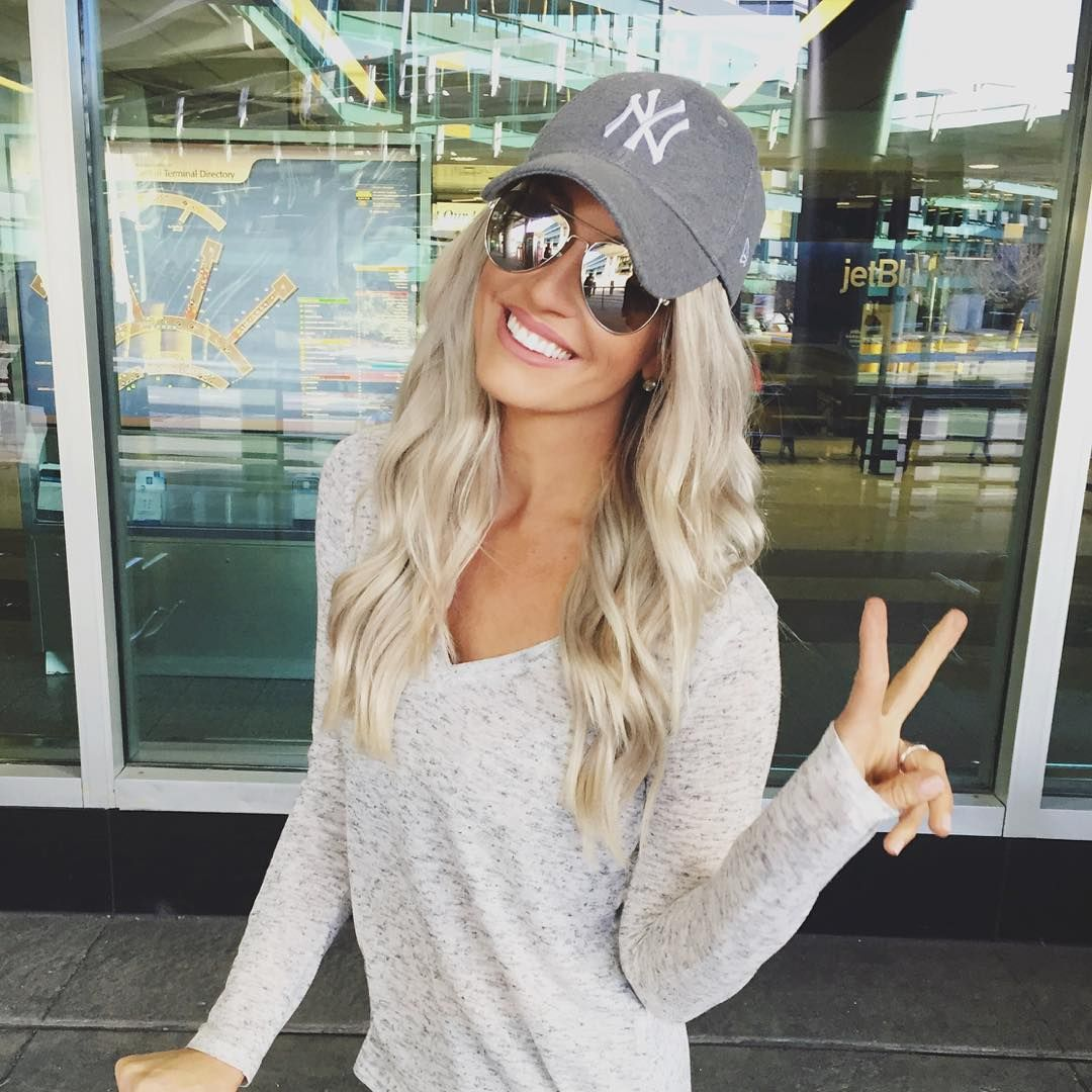 Dream date dress up girl style with cap