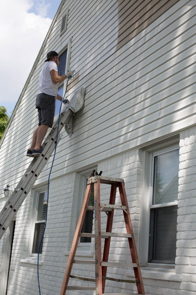 Curb Appeal Update How To Paint Brick And Vinyl Siding Home Exterior Makeover Vinyl Exterior Siding Vinyl Siding