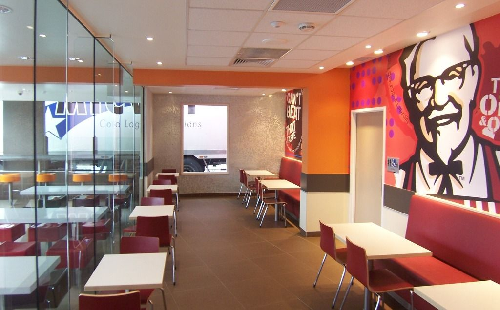 Restaurants beautiful fast food restaurants kfc interior for Fast food decoration
