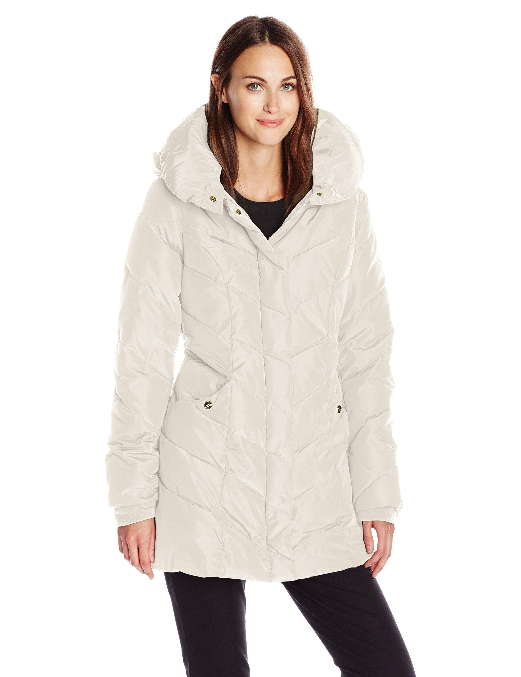 80044d66f6f Steve Madden Women s Chevron Packable Puffer Jacket with Hood at Amazon Women s  Coats Shop