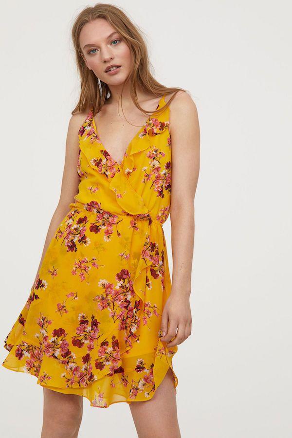 d19384f54 Catálogo H M Primavera Verano 2018 vestido amarillo con flores