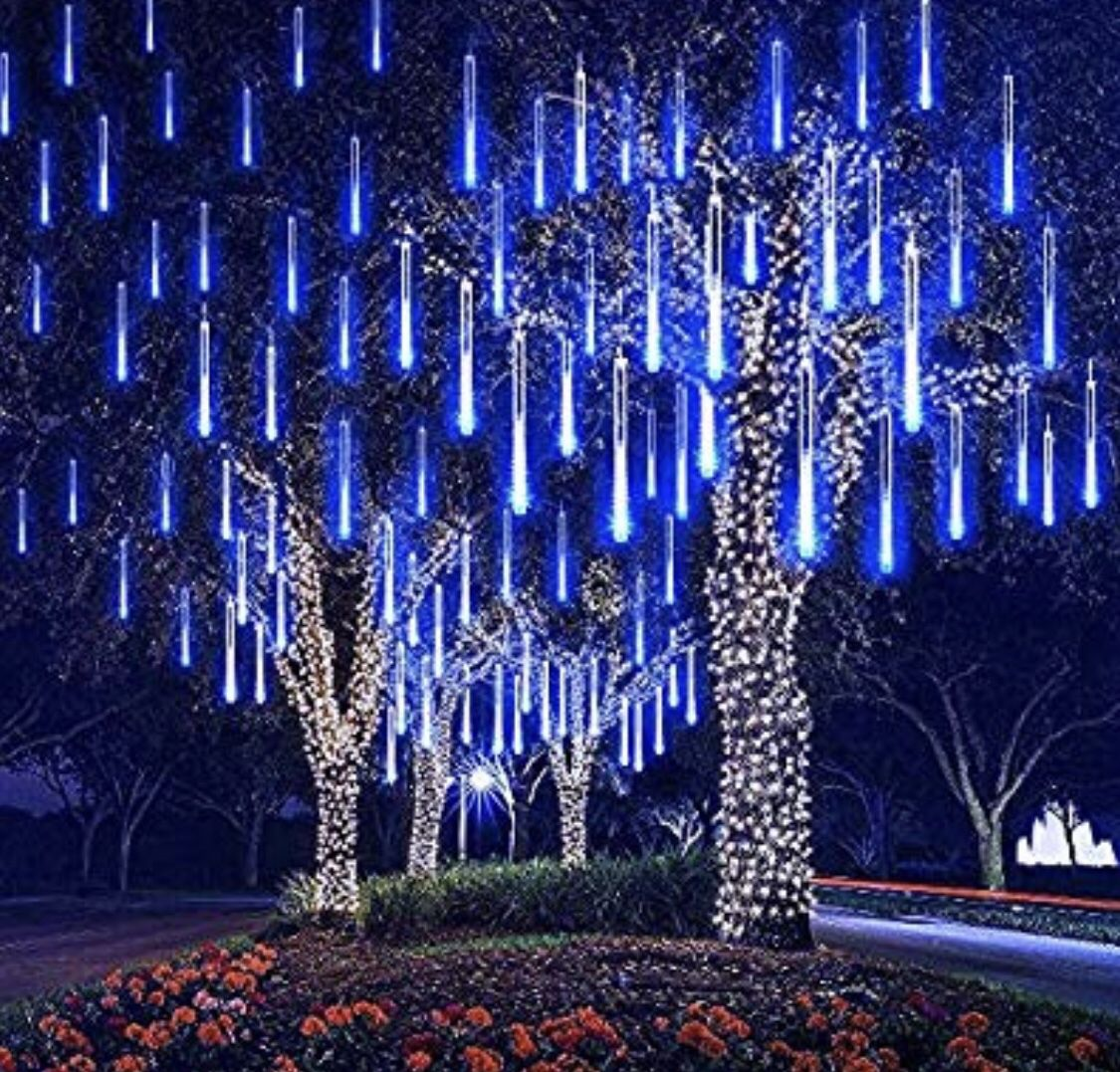 8-Pack LED White Shooting Star Icicle Light Set Twinkling Christmas Decoration