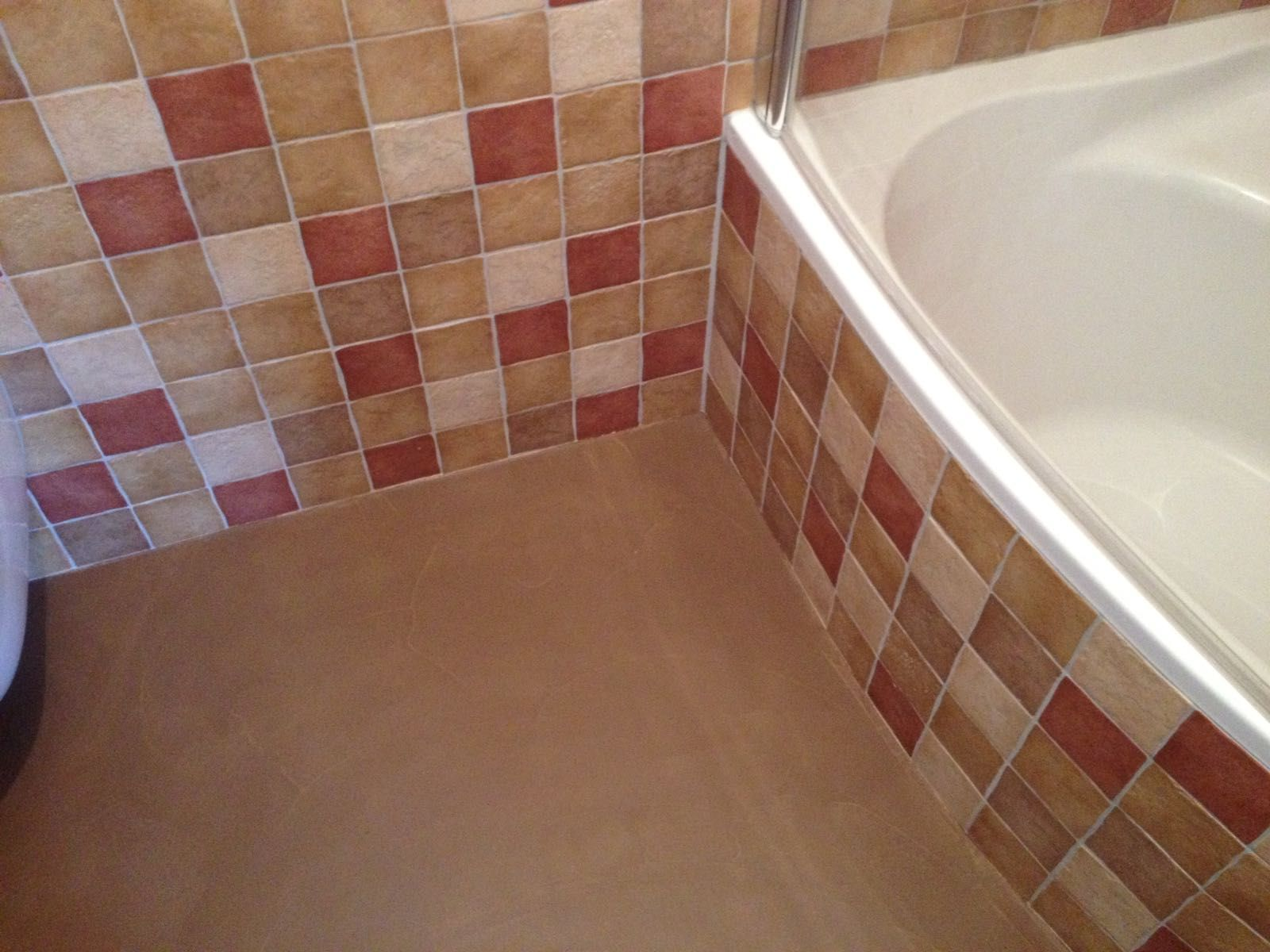 maatwerk op kleur venetiaan woonbeton in bestaande badkamer