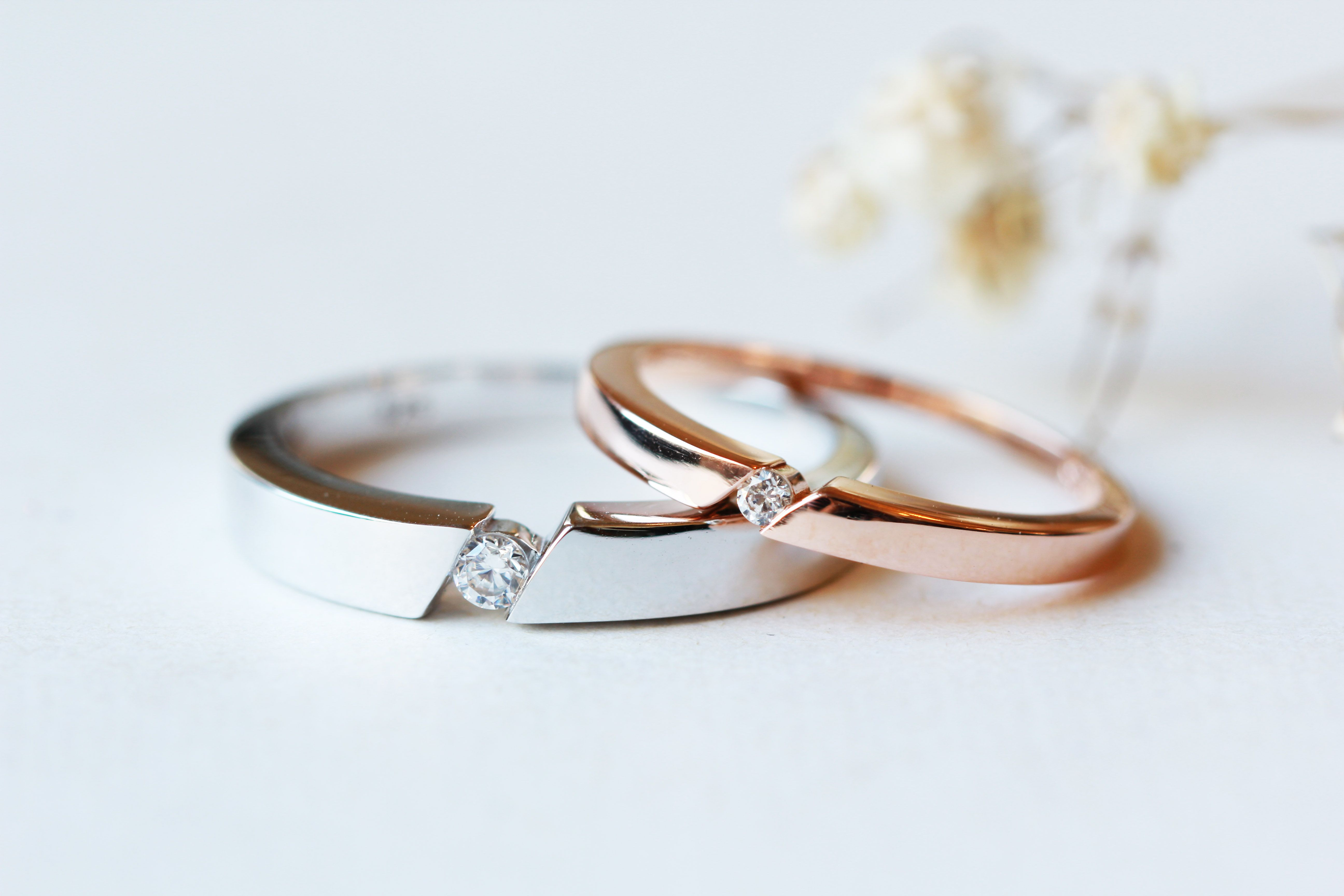 Simple His And Hers Couples Rings Diamond Cz Wedding Rings Set Etsy In 2020 Cz Wedding Ring Sets Cz Wedding Rings Wedding Ring Sets