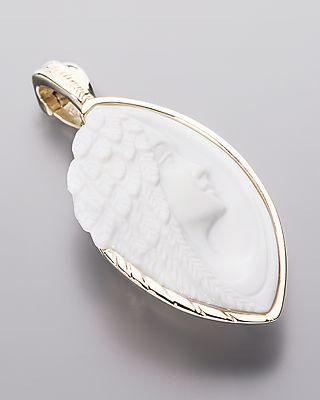 wei er opal mit peuster schliff lichtengel das zentrum des clip anh ngers bildet ein. Black Bedroom Furniture Sets. Home Design Ideas