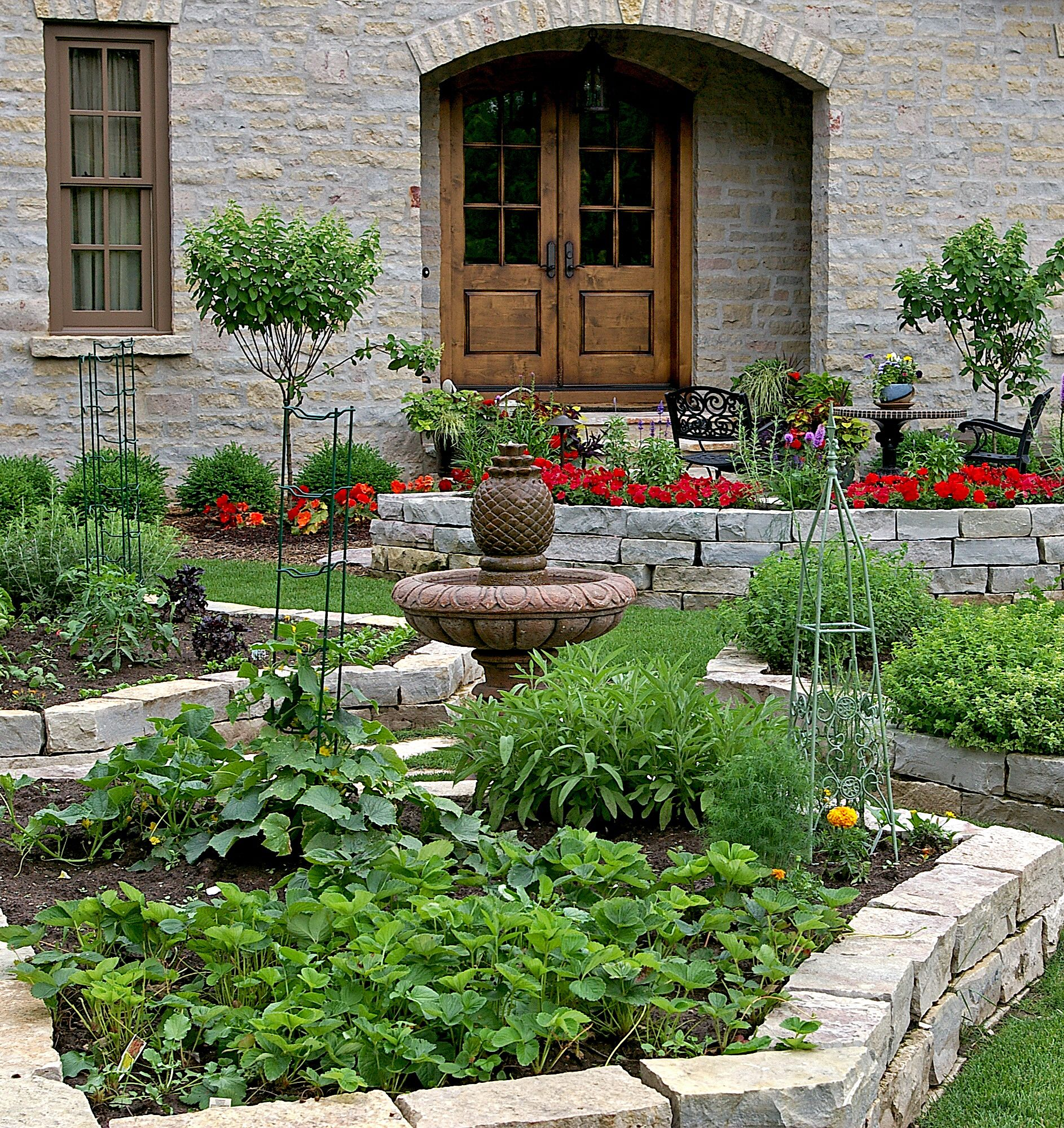 20 Raised Bed Garden Designs And Beautiful Backyard: Hardscape Patio, Raised Flower Beds