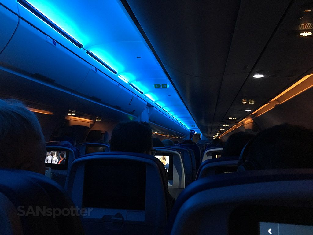 Delta Air Lines Airbus A321 200 Main Cabin Economy Class Mood Lightning Photos Sanspotter Delta Airlines Fleet Airbus