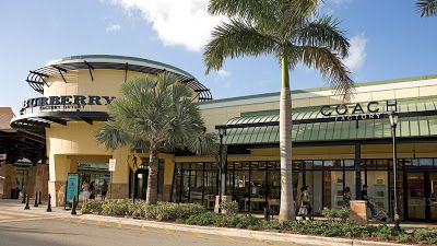 South Florida Lands Versace And Roberto Cavalli Outlet Stores To Its Stable Of Luxury High End Outlets Please Fo Sawgrass Mills Miami Vacation Fort Lauderdale